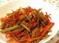 牛蒡胡萝卜丝炒肉丁