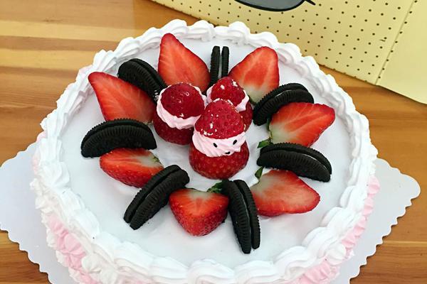 8寸草莓奶油蛋糕