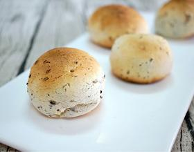 芝麻核桃麻薯面包