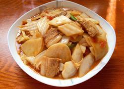 〖 白菜土豆烩肉 〗