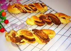 黑糖芝麻酱辫子面包