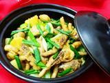 豆腐泡土豆鸡爪煲的做法[图]