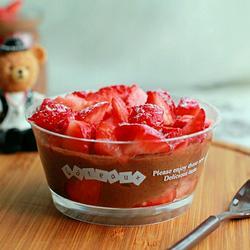 巧克力草莓慕斯~超快手