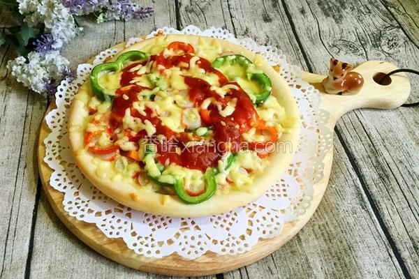 彩椒火腿时蔬披萨