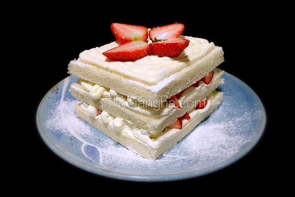 奶油草莓吐司蛋糕