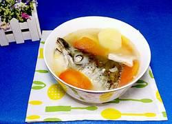 三文魚頭蕃茄土豆瘦肉湯