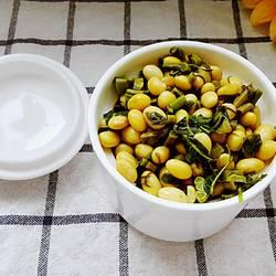 嫩芽香椿拌黄豆