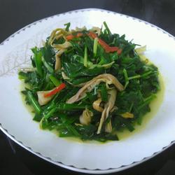 韭菜炒芦苇笋