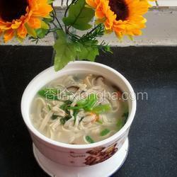 手擀豆面条的做法_做法_香哈网菜谱和蛋烧汤平菇图片