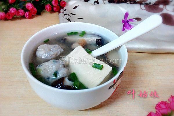香菇豆腐鱼丸汤