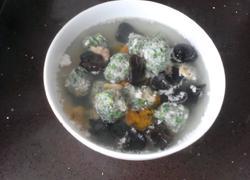 荠菜猪肉丸子海鲜汤
