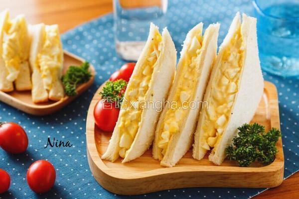 美乃滋鸡蛋三文治