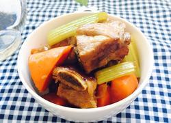 胡萝卜芹菜闷排骨