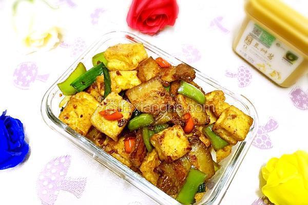 酱香花肉豆腐块