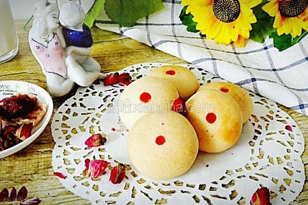 鲜玫瑰花饼