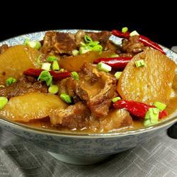 黄豆酱萝卜烧牛肉