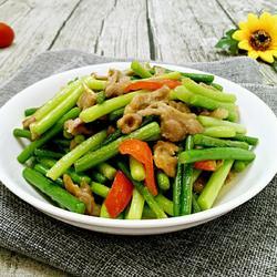 蒜苔炒鸭片