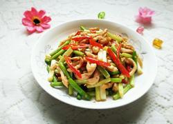 鸡肉炒蒜苔