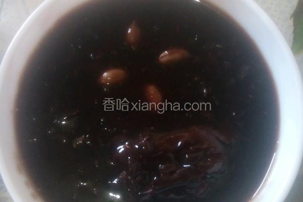 花生红枣黑米粥
