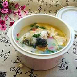 鲫鱼头豆腐汤的做法[图]