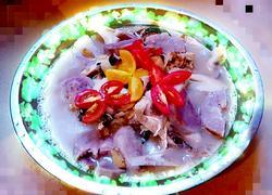 大头鱼芋头杏鲍菇碎肉汤
