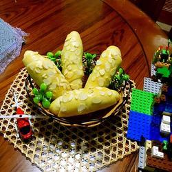 扁桃片豆沙面包
