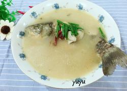 鲜菌奶白鲫鱼汤