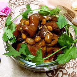 花生黄豆炖猪蹄的做法[图]
