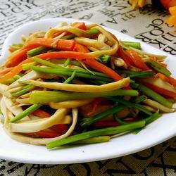 杏鲍菇炒芹菜