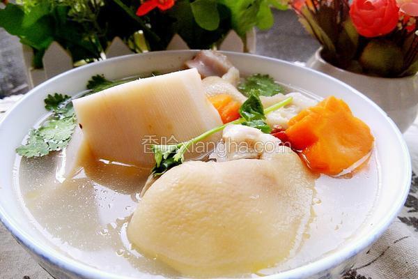 猪脚莲藕汤