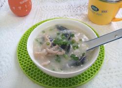 砂锅煲皮蛋瘦肉粥