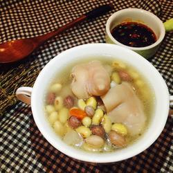 黄豆花生猪蹄煲的做法[图]