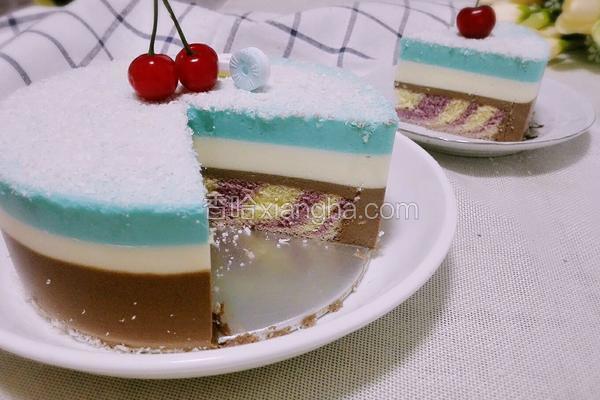 三色慕斯蛋糕