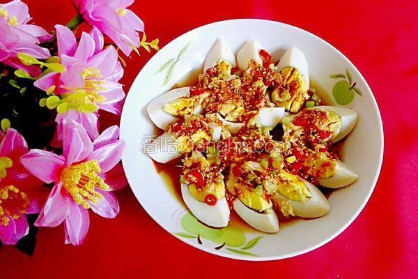 小菜凉拌蒜泥鸡蛋