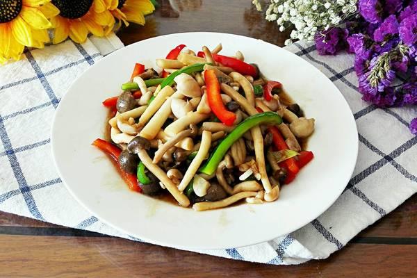 双椒炒蟹味菇