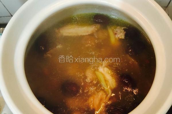 桂圆红枣枸杞炖土鸡