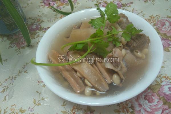 黄豆鱿鱼炖猪脚