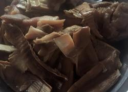 腊猪蹄炖干竹笋