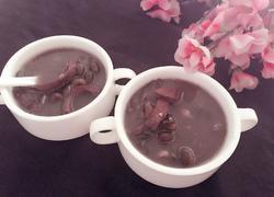 猪小肚十月黑汤(小孩尿床偏方)