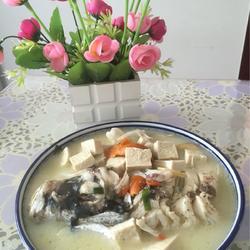 香鲜鱼头豆腐汤