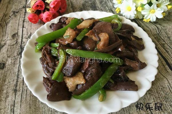 肉片炒红蘑