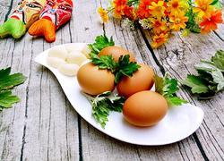 端午艾叶煮鸡蛋