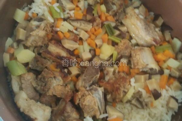 排骨蔬菜焖米饭