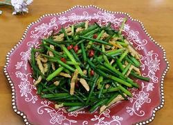 韭菜花炒肉丝