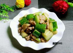 黄瓜炒肉片