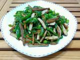 青椒香干炒毛豆的做法[图]