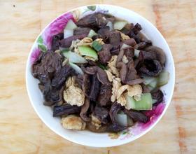 蛋炒洋葱松菇