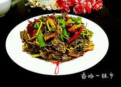 腊肉炒香椿