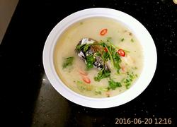 鱼骨架豆腐汤