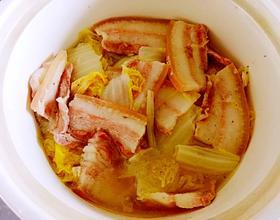 砂锅炖五花肉冻豆腐娃娃菜